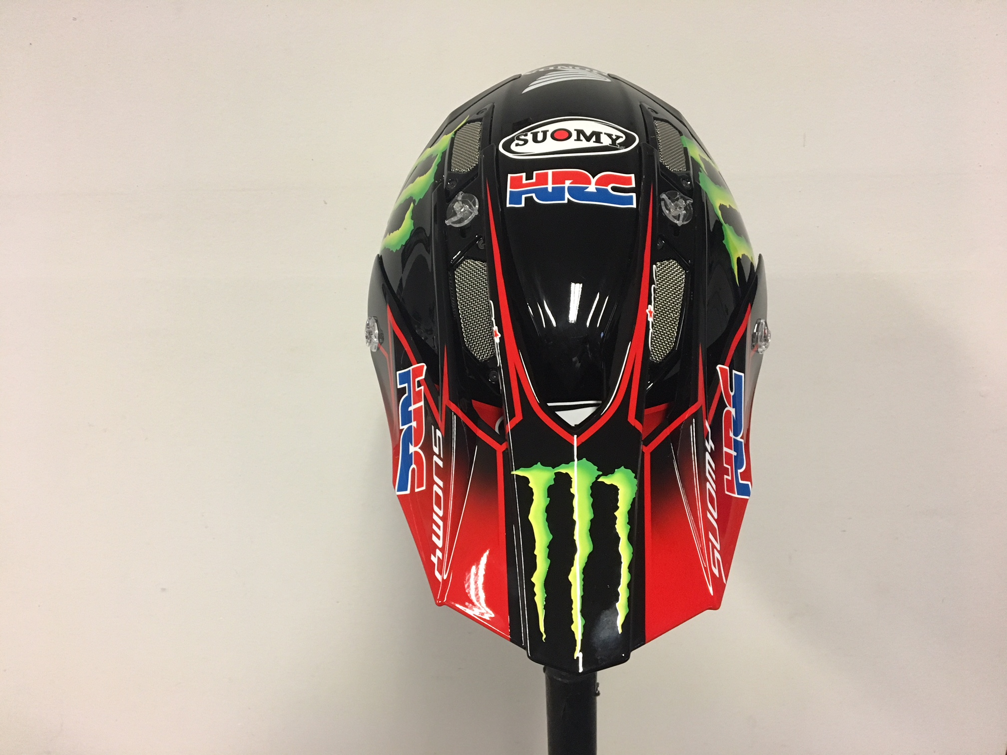Helmy pro Monster Energy Honda Team od Slim Grafix